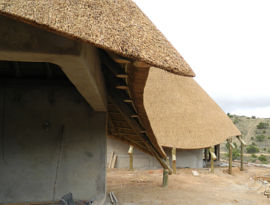 Thatched lodge - curved thatch designs