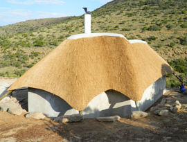 Thatched lodge - eastern cape thatching contractor